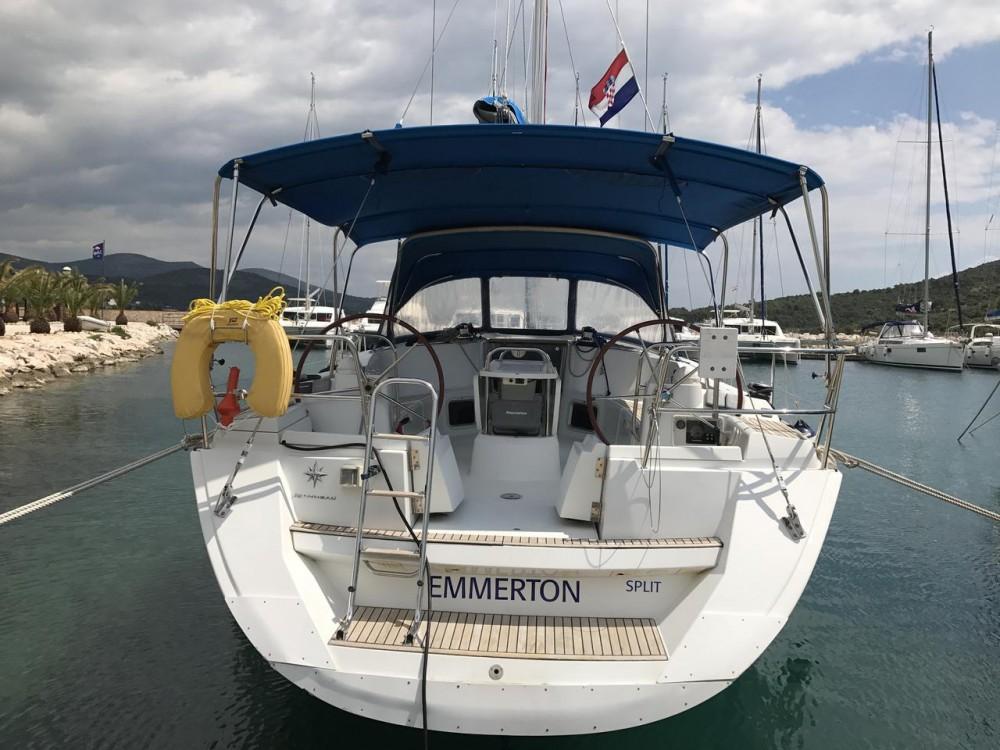 Boat rental Jeanneau Sun Odyssey 44i - 3 cab. in Primorsko-Goranska Županija on Samboat