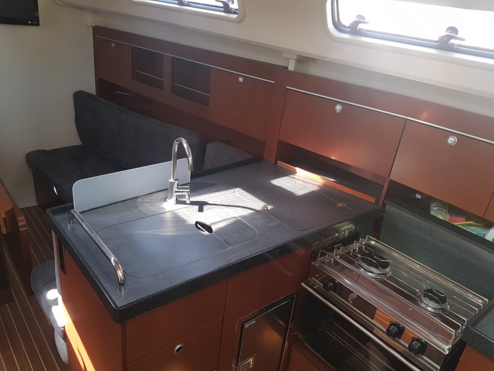 Rental Sailboat in Croatia - Hanse Hanse 345