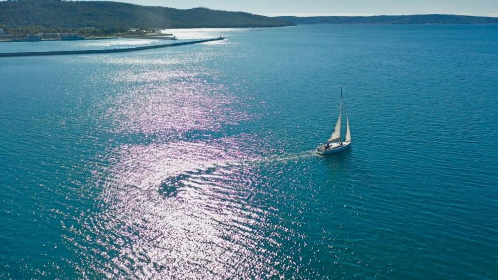 Boat rental Hanse Hanse 385 in Croatia on Samboat