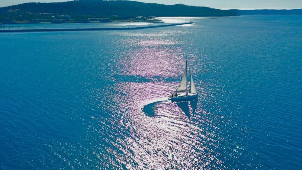 Rental Sailboat in Croatia - Hanse Hanse 385