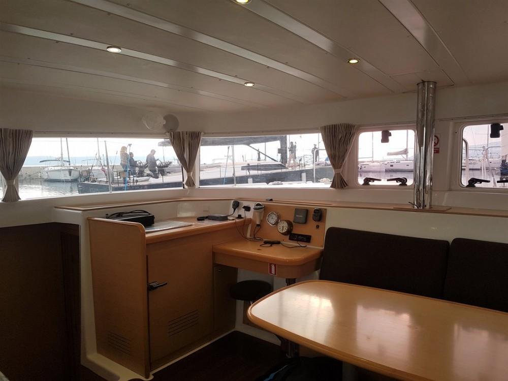 Rental Catamaran in Croatie - Lagoon Lagoon 421
