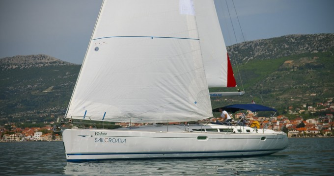 Hire Sailboat with or without skipper Jeanneau Kaštela