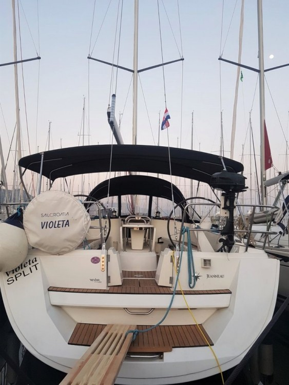 Jeanneau Sun Odyssey 49 between personal and professional Croatie
