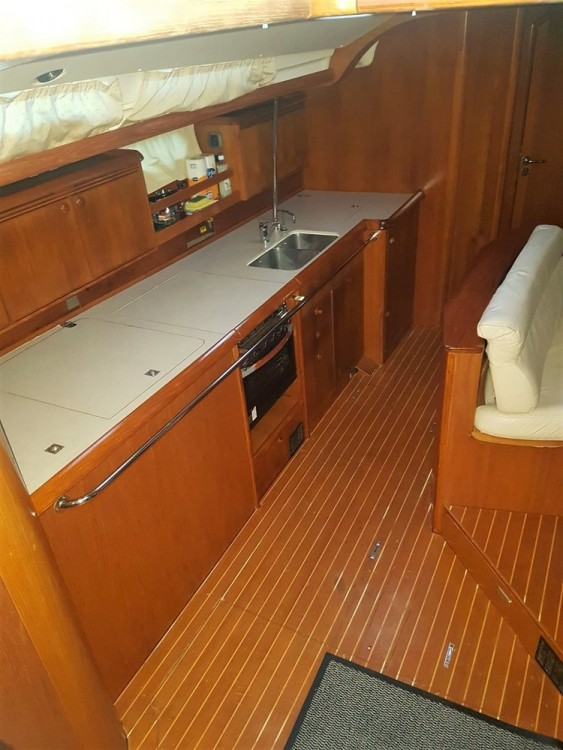 Hire Sailboat with or without skipper Jeanneau Croatie