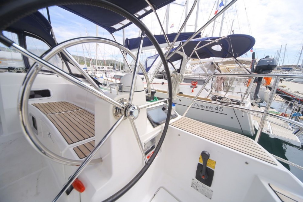 Hire Sailboat with or without skipper Jeanneau Stockholm