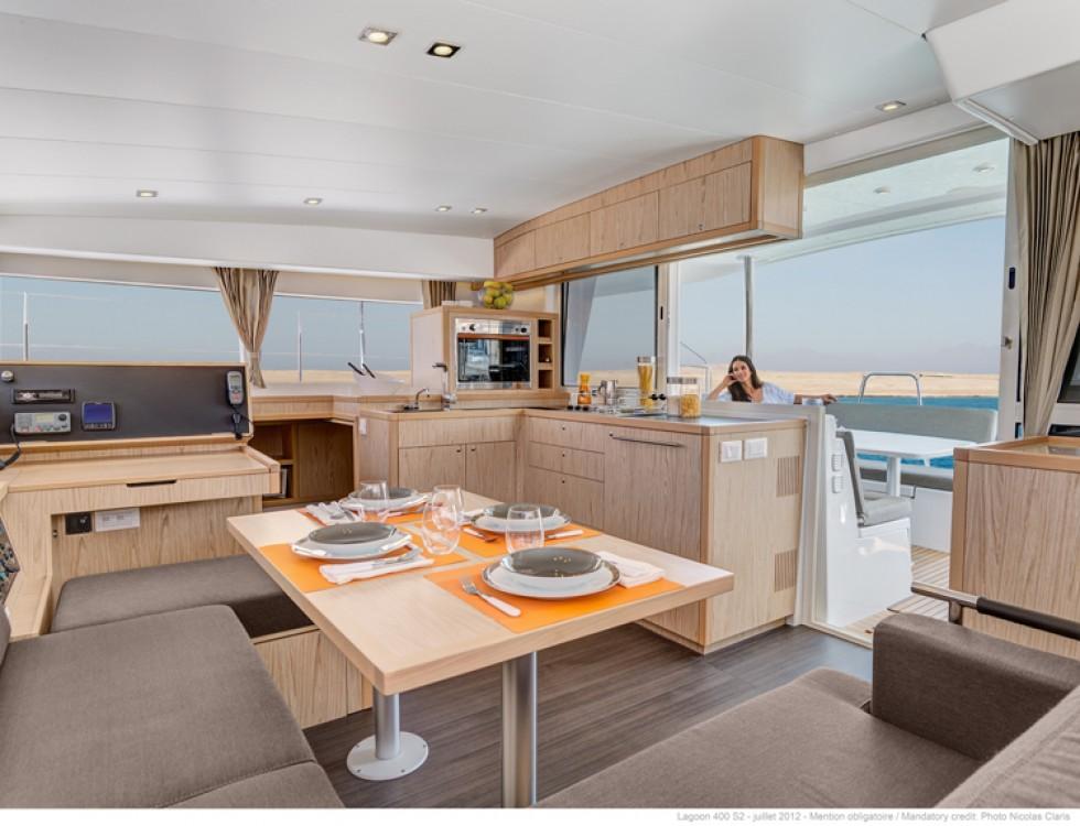 Rental yacht Jolly Harbour - Lagoon Lagoon 400 S2 on SamBoat