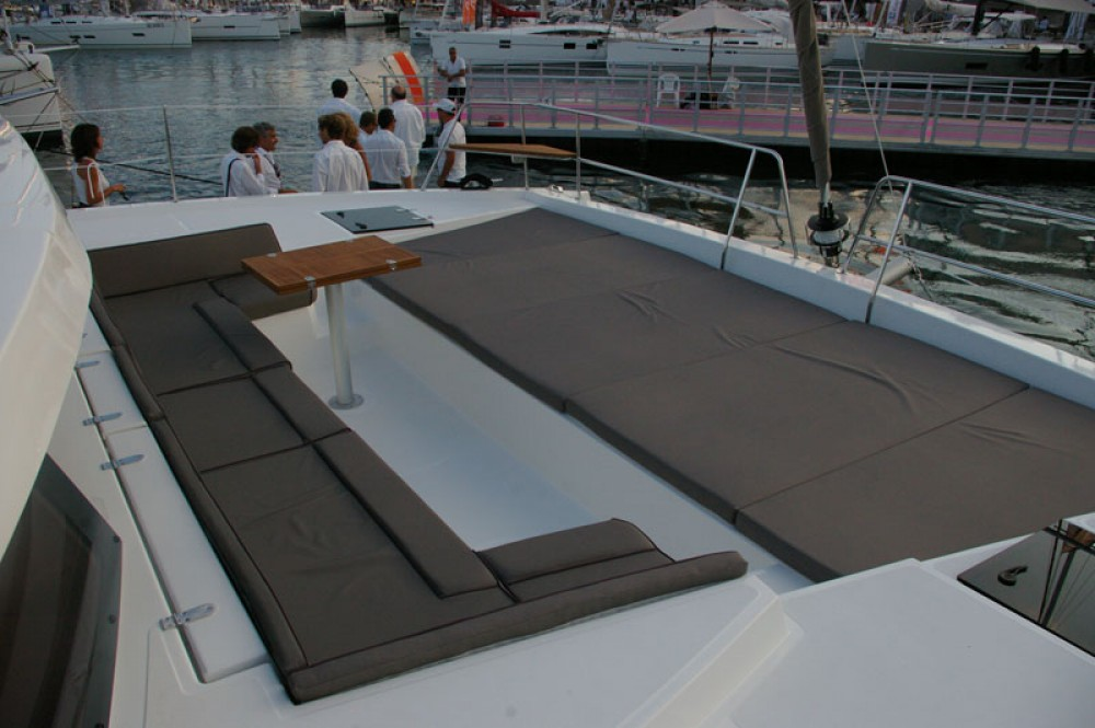 Hire Catamaran with or without skipper Catana Stann Creek