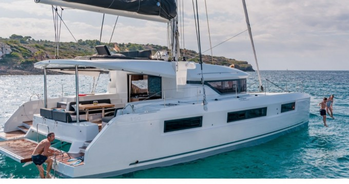 Boat rental Tortola cheap Lagoon 50