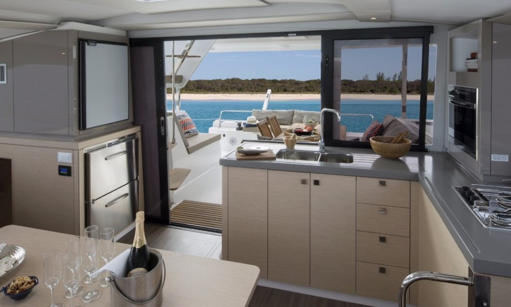 Fountaine Pajot Lucia 40 between personal and professional Pointe-à-Pitre
