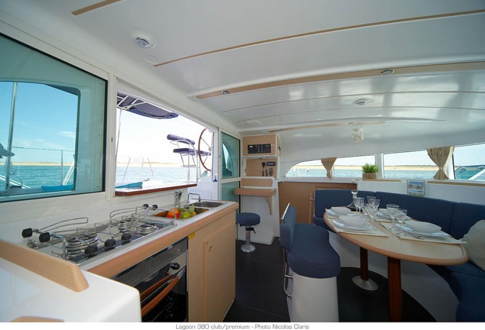 Boat rental Pointe-à-Pitre cheap Lagoon 380