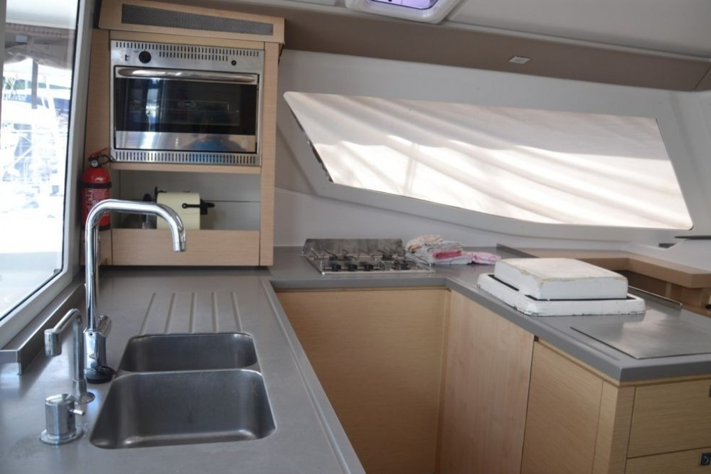 Rental yacht Martinique - Fountaine Pajot Helia 44 on SamBoat