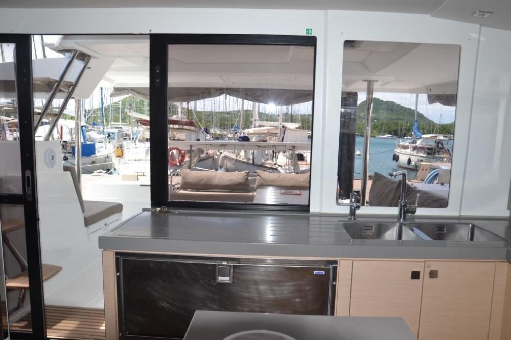 Rental yacht Martinique - Fountaine Pajot Saona 47 on SamBoat