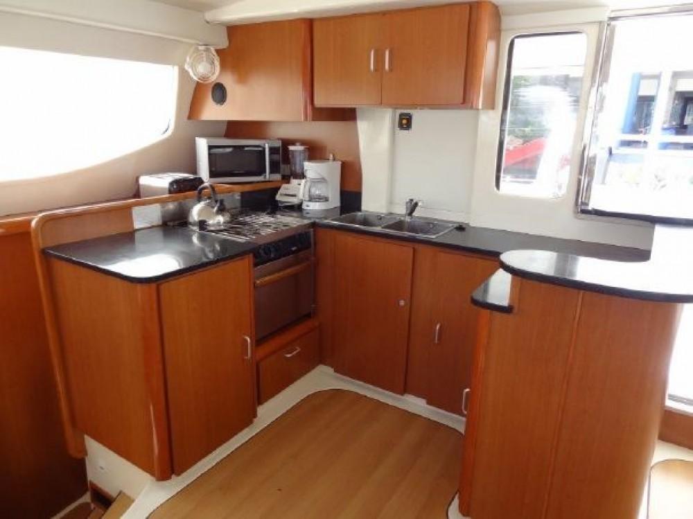 Rental Catamaran Robertson-Caine with a permit