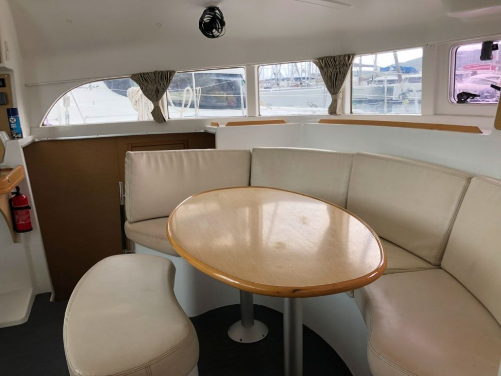 Rental yacht Bois D'orange - Lagoon Lagoon 380 on SamBoat