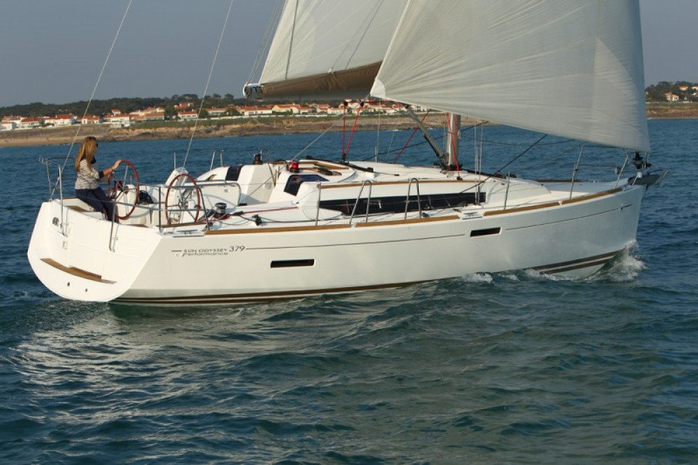 Hire Sailboat with or without skipper Jeanneau Rodney Bay Marina
