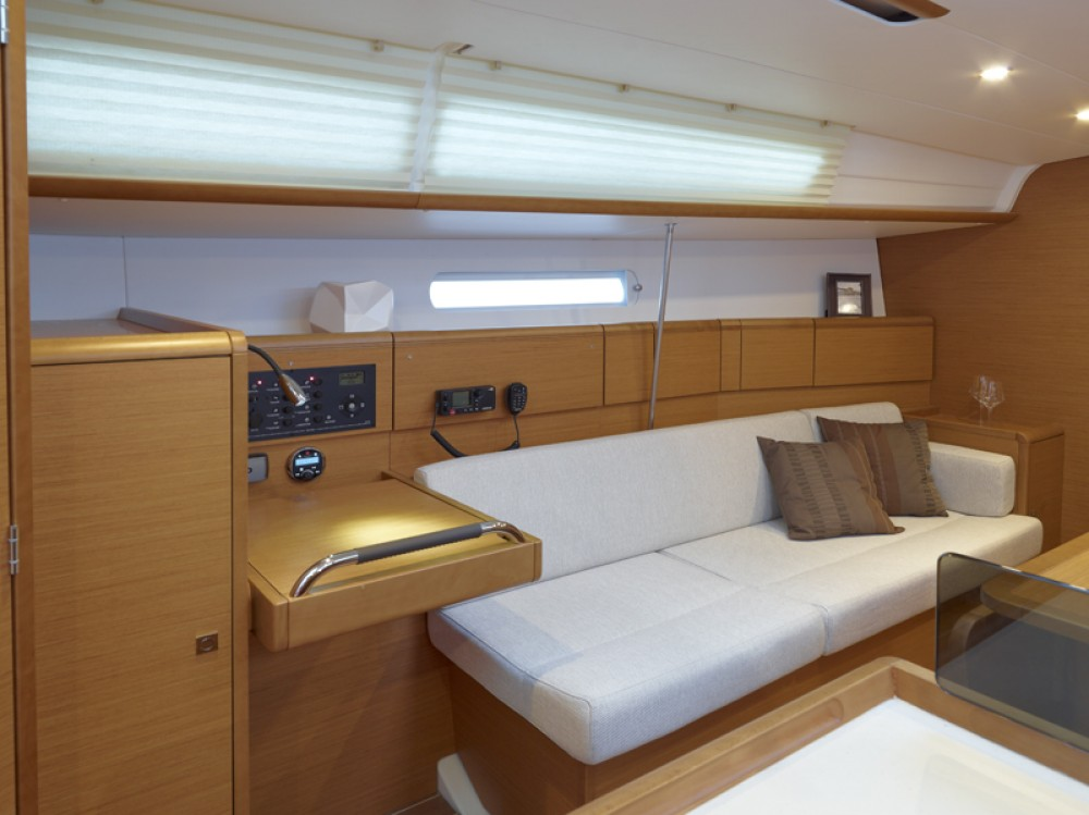 Sailboat for rent Rodney Bay Marina at the best price