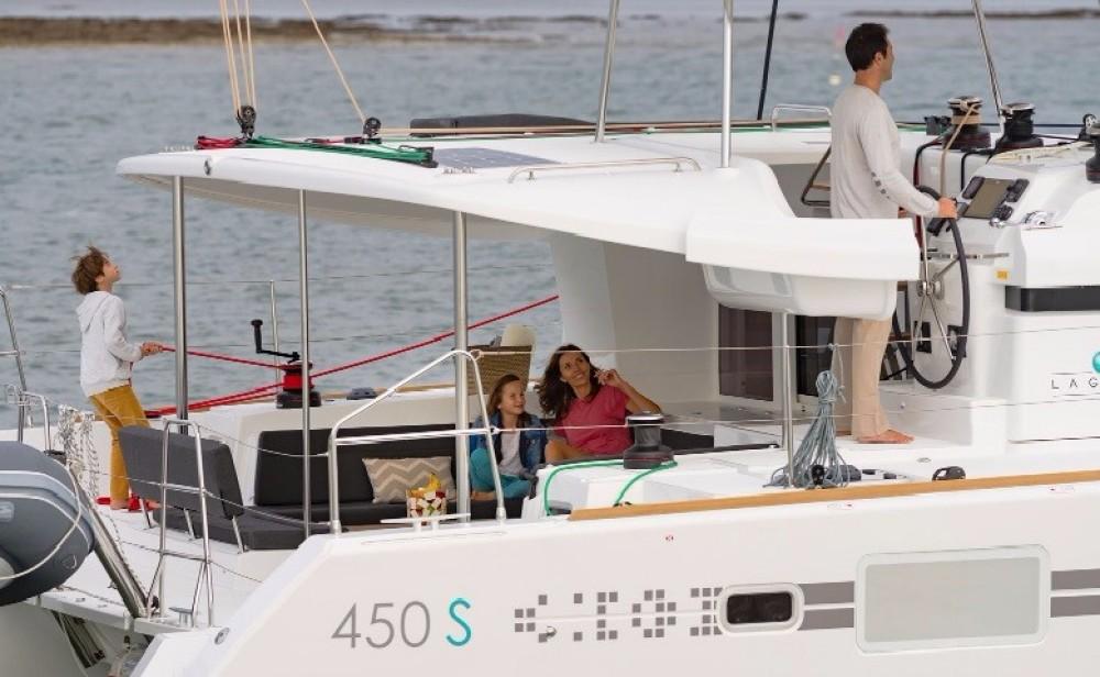 Rental Catamaran in Saint Martin (France) - Lagoon Lagoon 450