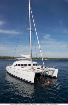 Boat rental Saint Martin cheap Lagoon 380