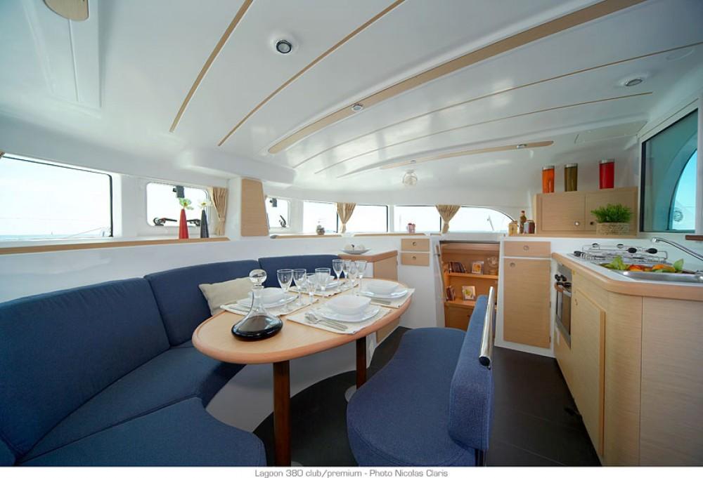 Rental Catamaran in Saint Martin (France) - Lagoon Lagoon 380