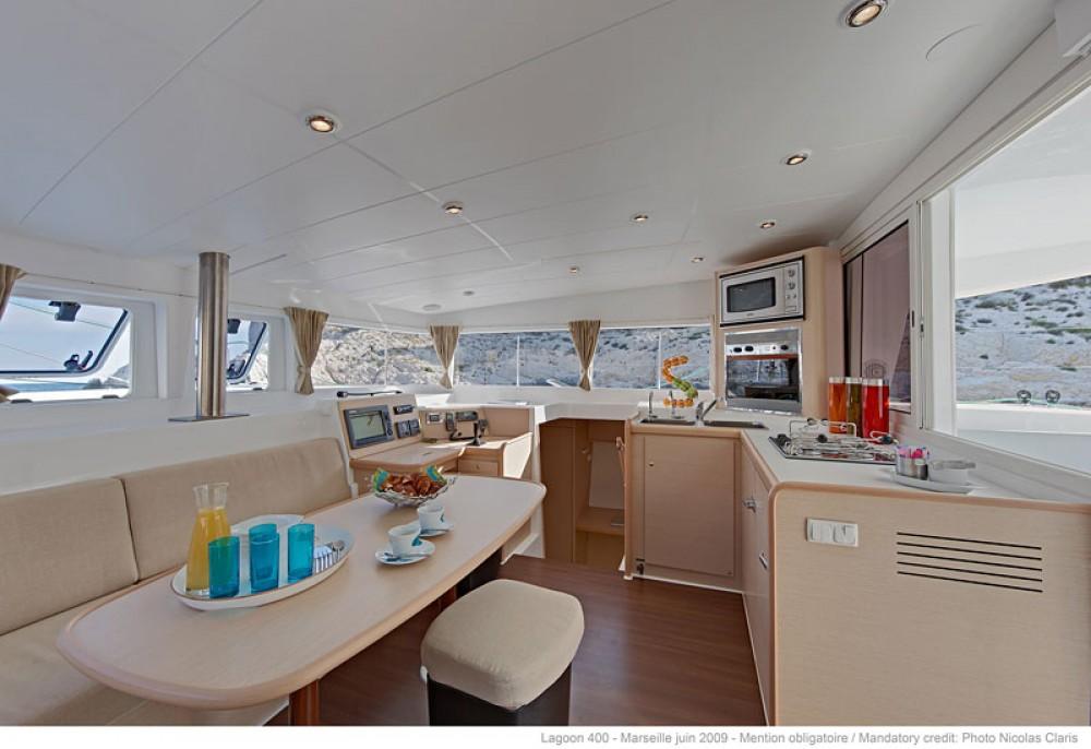 Rental Catamaran in Saint Martin (France) - Lagoon Lagoon 400 S2
