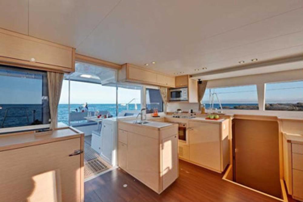 Boat rental Arnos Vale cheap Lagoon 450