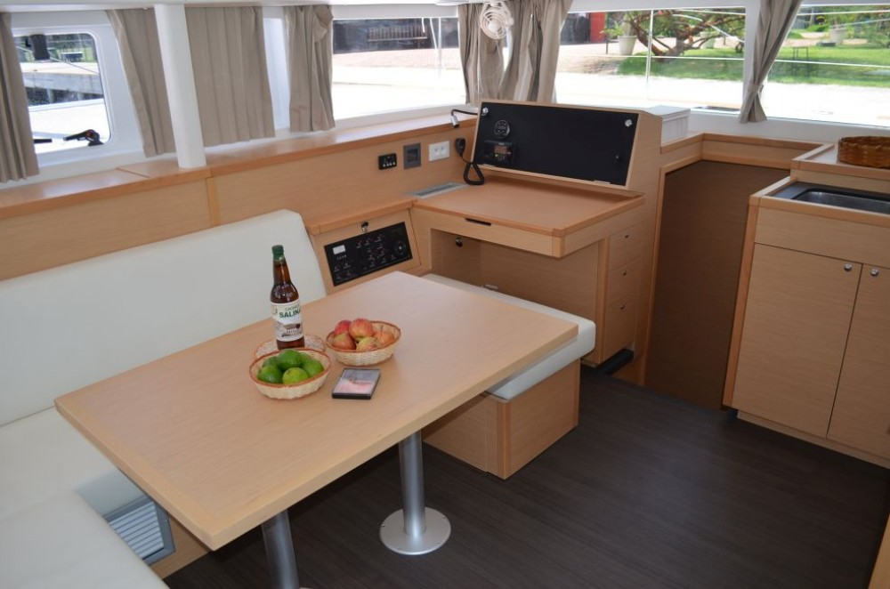 Hire Catamaran with or without skipper Lagoon Angra dos Reis