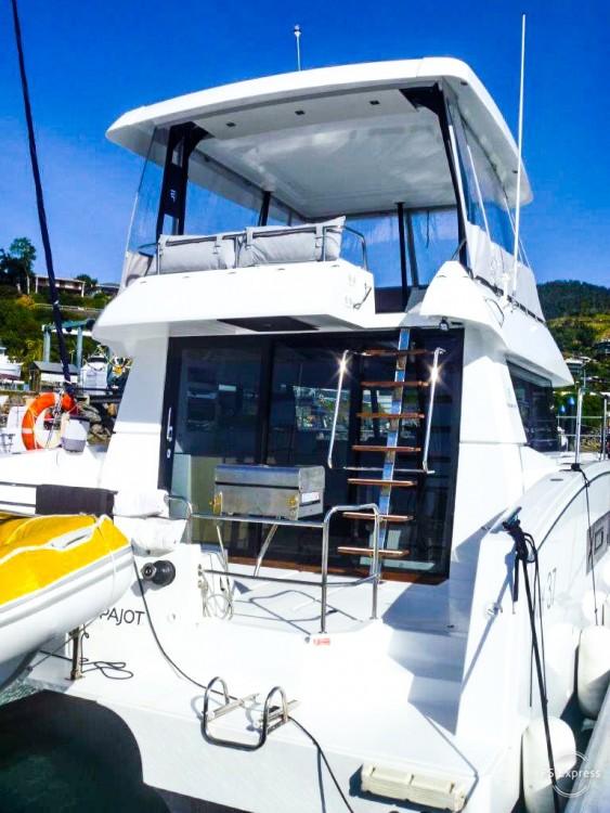 Rental yacht La Paz - Fountaine Pajot MAESTRO 37 on SamBoat