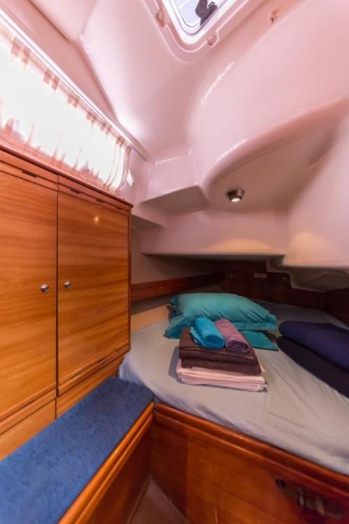 Rent a Bavaria Bavaria 37 Cruiser La Trinité-sur-Mer