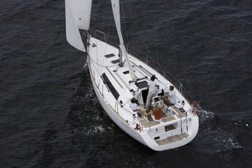 Rental yacht La Rochelle - Bénéteau Oceanis 34 on SamBoat