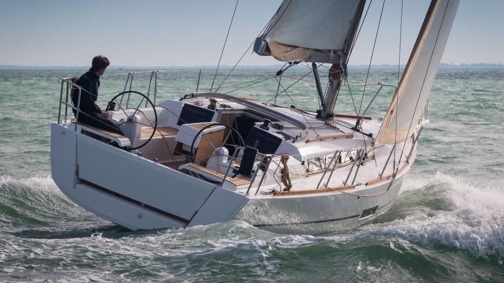Rental yacht La Trinité-sur-Mer - Dufour Dufour 360 Liberty on SamBoat