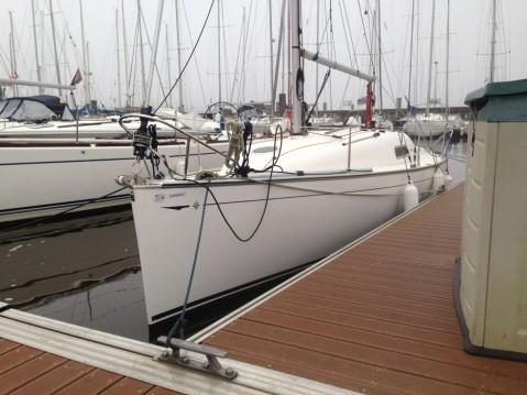 Rent a Jeanneau Sun 2500 La Rochelle