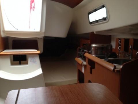 Rental Sailboat in La Rochelle - Jeanneau Sun 2500