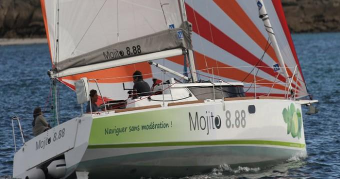 Rent a Idbmarine Mojito 888 La Trinité-sur-Mer