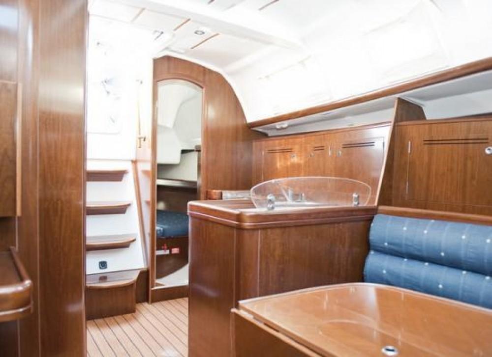 Rental Sailboat in La Trinité-sur-Mer -  Oceanis 343