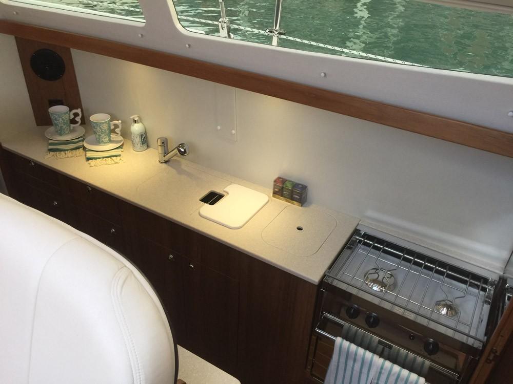 Boat rental La Trinité-sur-Mer cheap Gemini Legacy 35