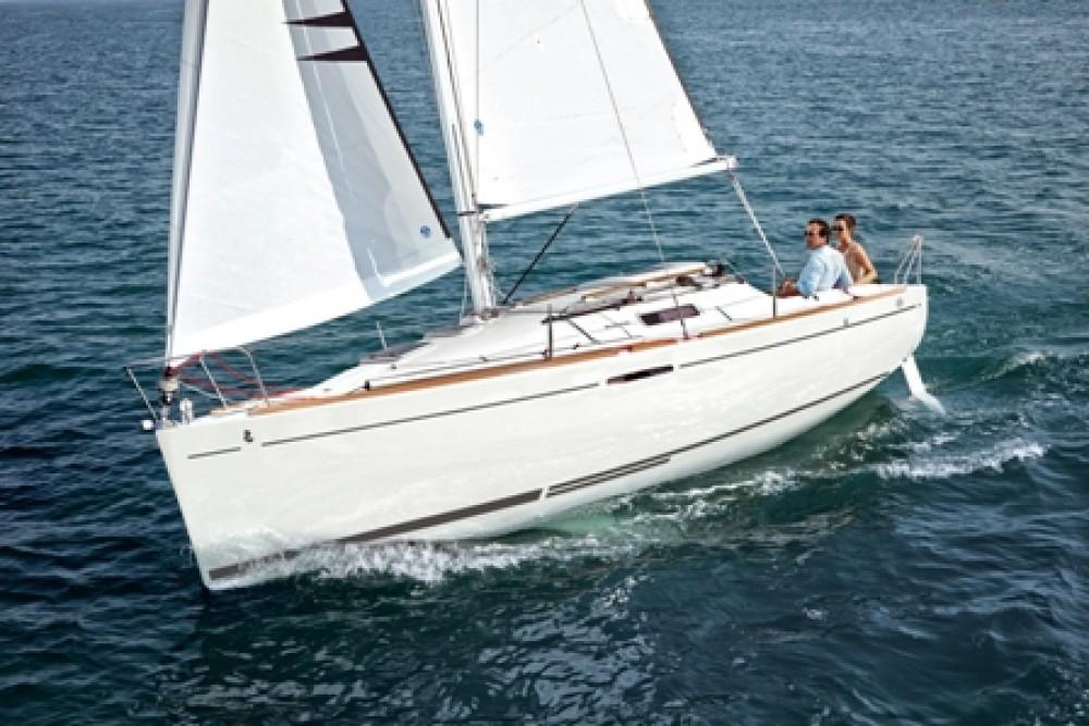 Rental yacht La Trinité-sur-Mer - Bénéteau First 25 S on SamBoat
