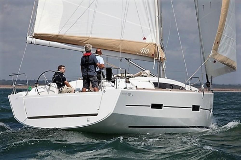 Rent a Dufour Dufour 410 Grand Large La Trinité-sur-Mer