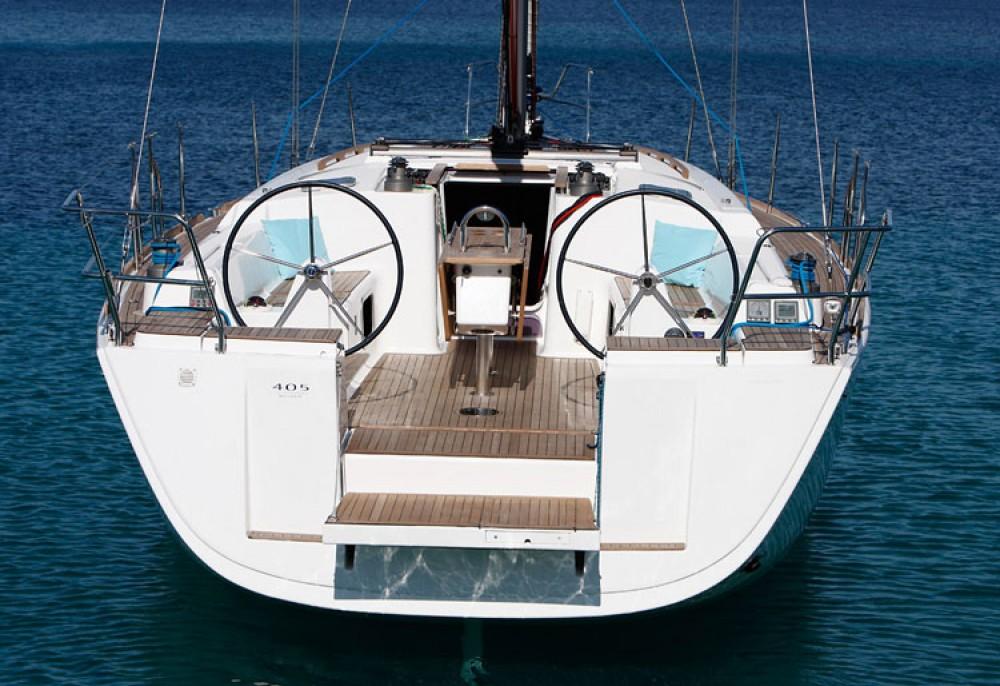 Dufour Dufour 405 Grand Large between personal and professional La Trinité-sur-Mer