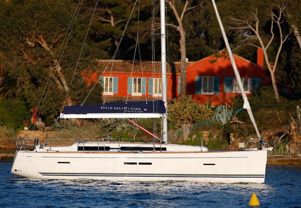 Boat rental Dufour Dufour 405 Grand Large in La Trinité-sur-Mer on Samboat