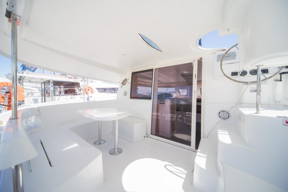 Boat rental La Trinité-sur-Mer cheap Lipari 41