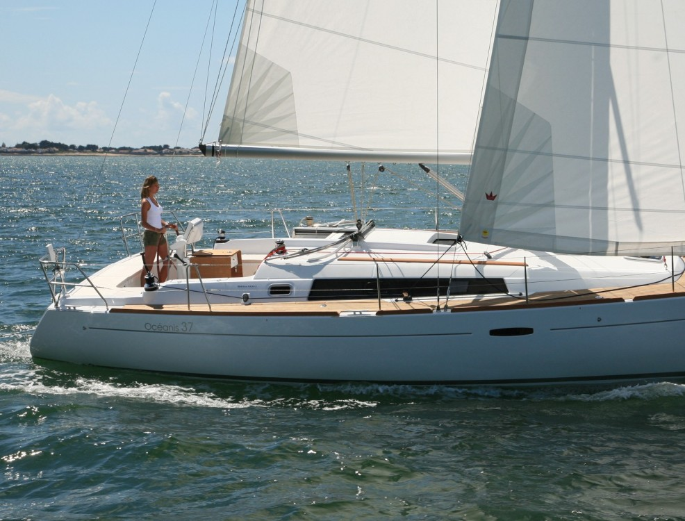 Bénéteau Oceanis 37 between personal and professional Port Hamble