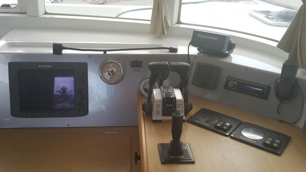Hire Catamaran with or without skipper Lagoon Port Louis