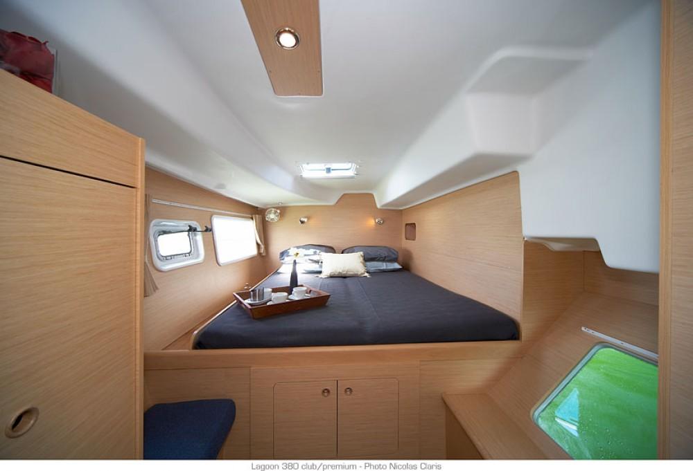 Rental Catamaran in Ajaccio - Lagoon Lagoon 380