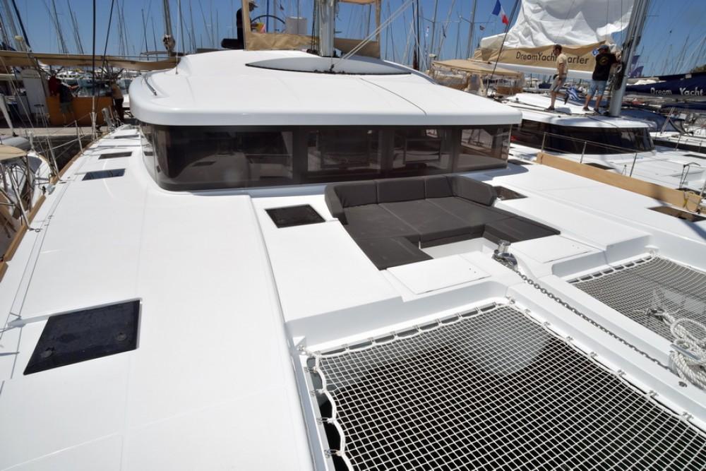 Boat rental Baie Sainte Anne cheap Lagoon 52