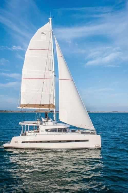 Catamaran for rent Baie Sainte Anne at the best price