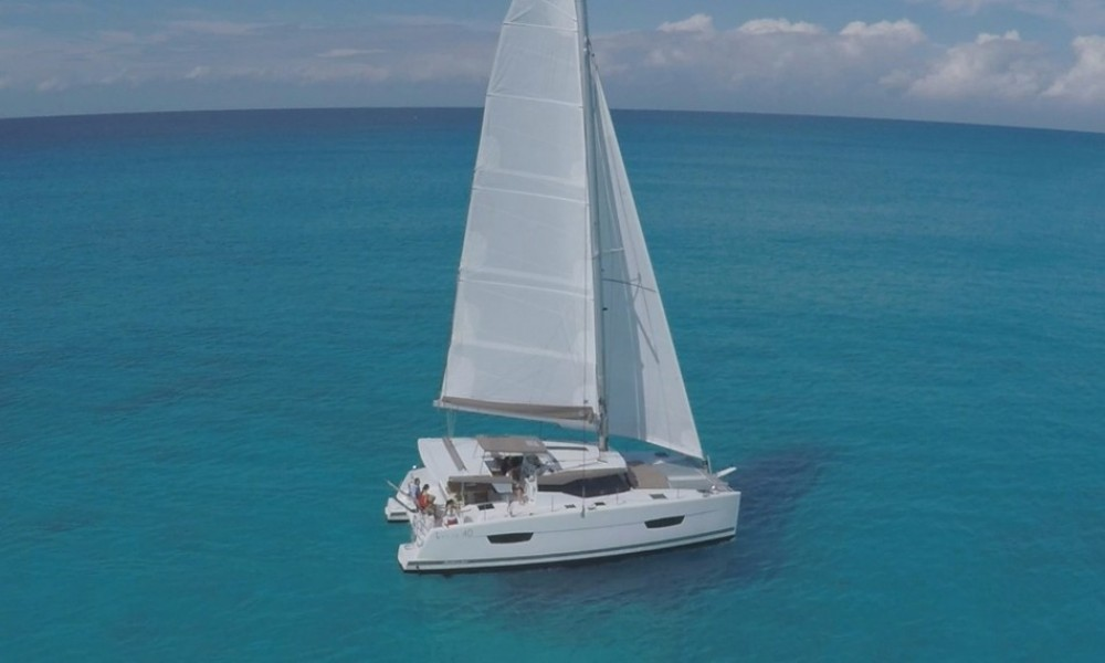 Jeanneau Lucia 40 between personal and professional Baie Sainte Anne