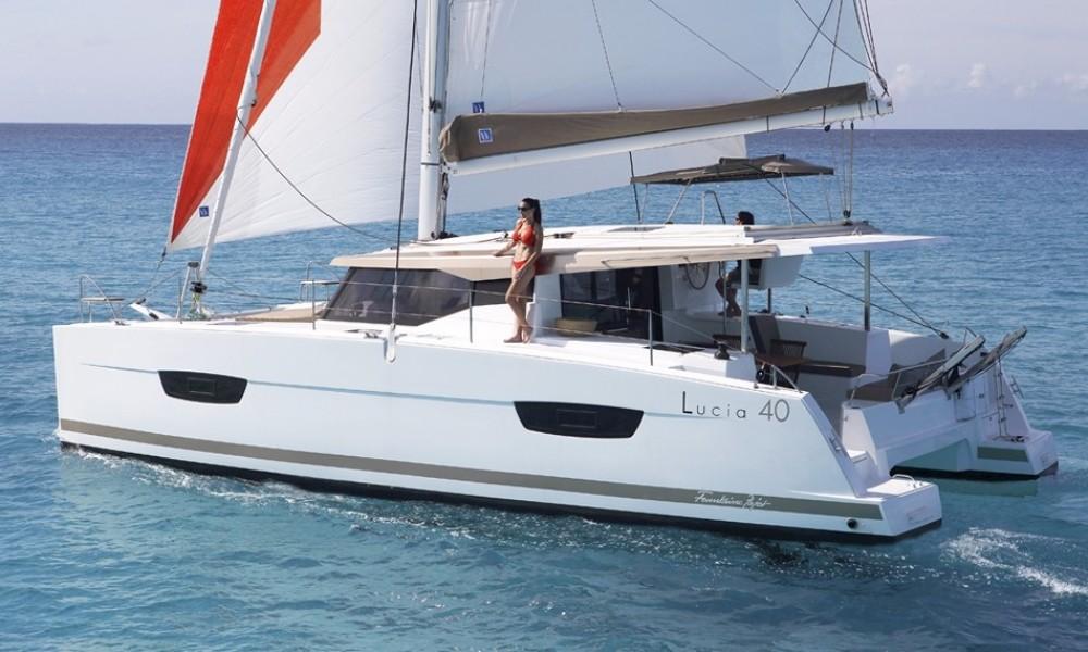 Boat rental Jeanneau Lucia 40 in Baie Sainte Anne on Samboat