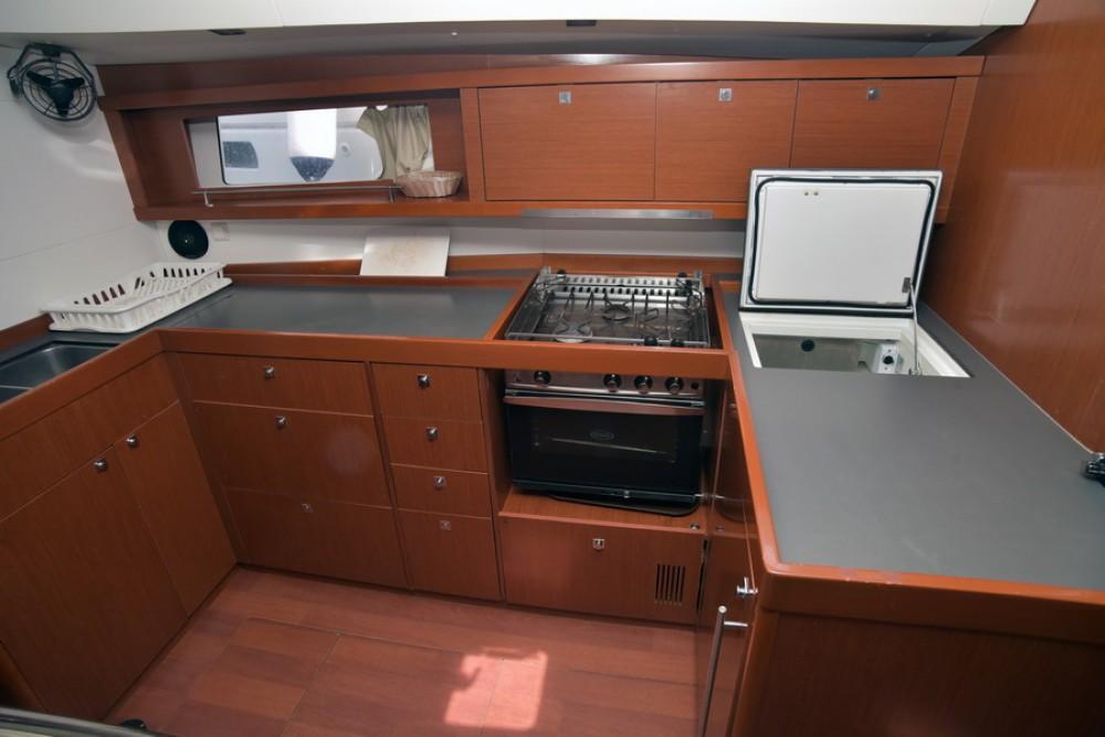 Rental Sailboat in Saint-Mandrier-sur-Mer - Bénéteau Oceanis 48