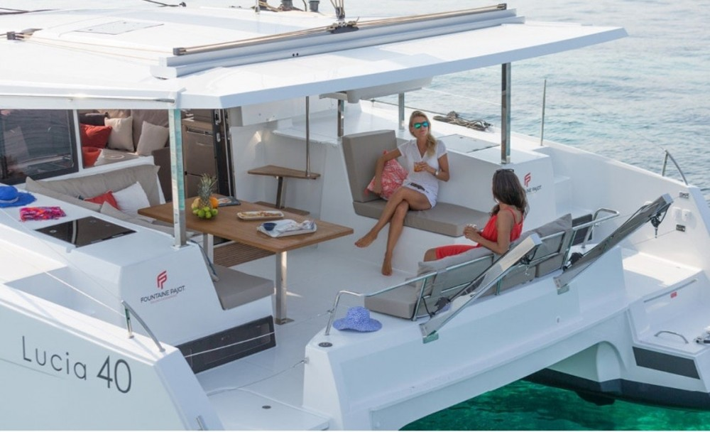 Rent a Fountaine Pajot Fountaine Pajot Naples