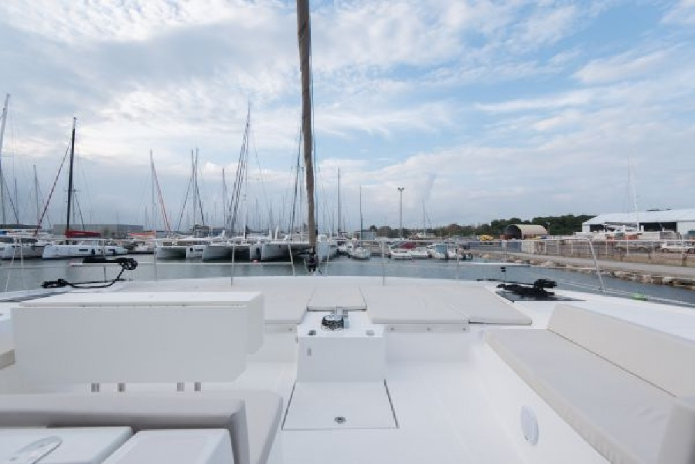Catamaran for rent Napoli at the best price